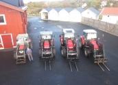 4 av 5 traktorer hos oss plus den äldre generationen